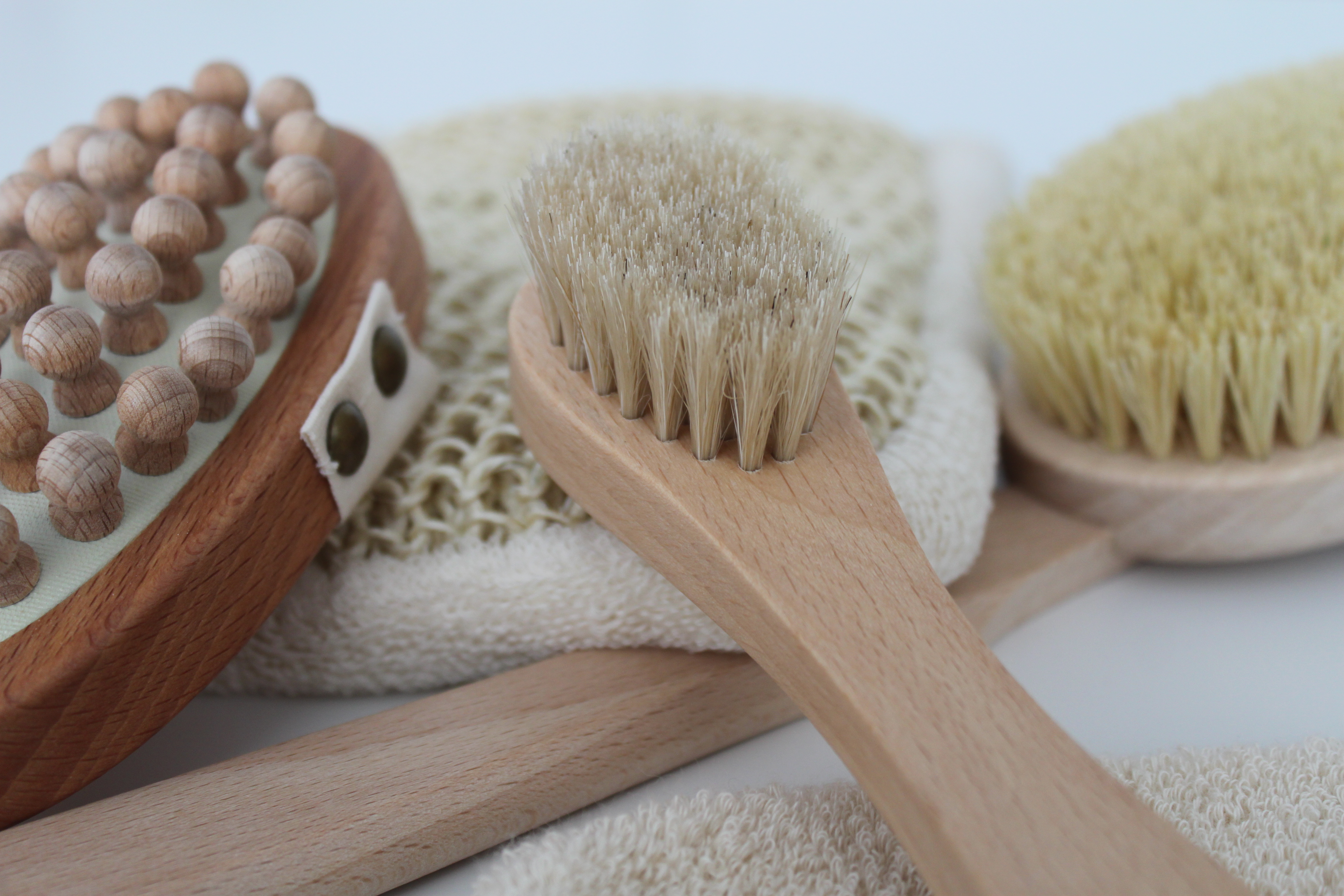 massagehandschuhe-massagebuerste